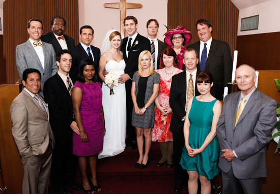 Jim-and-Pam-Wedding-Photos-the-office-8543923-550-382
